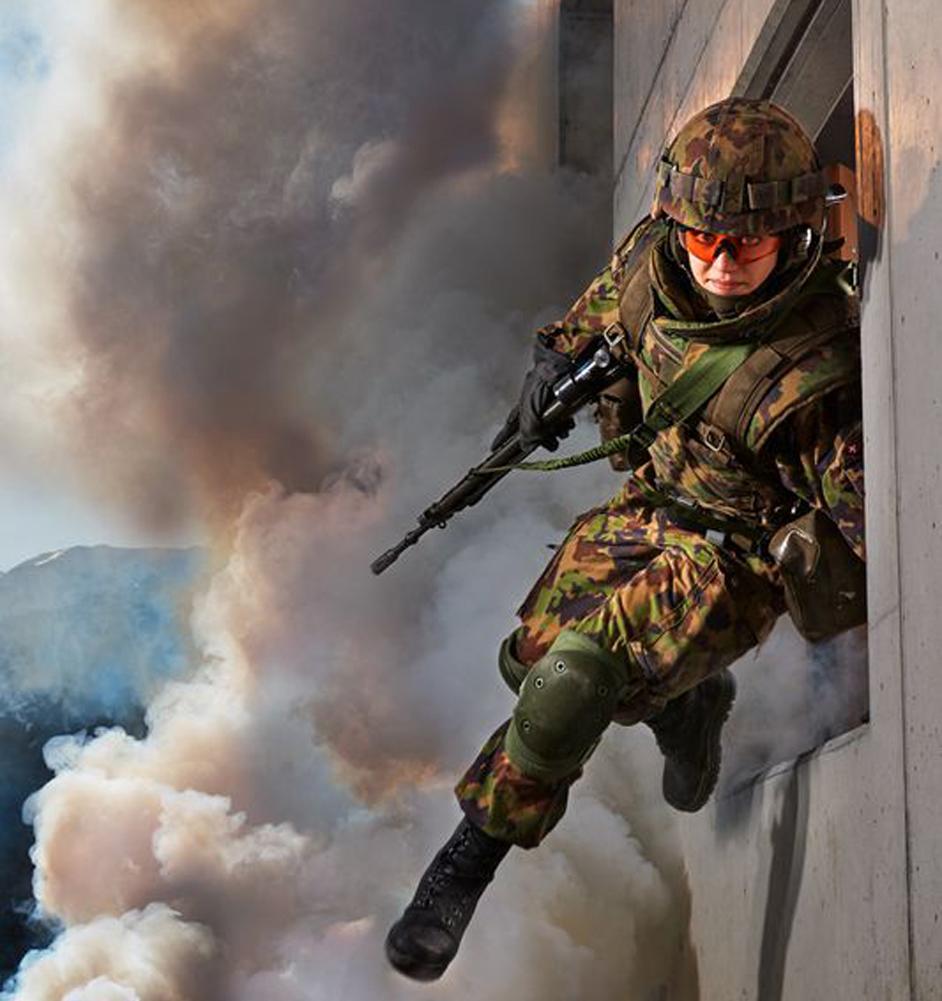 Frauen im Militär - Kämpferin